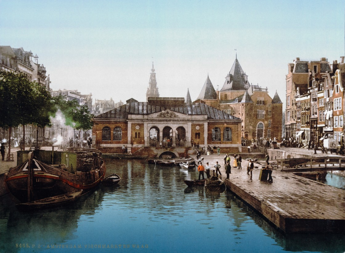 Fish market on Nieuwmarkt around 1900